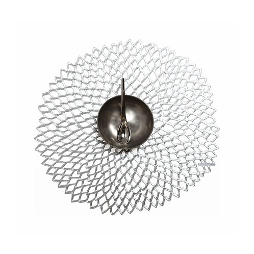 "Chilewich ""Dahlia"" Round Placemat in Silver"