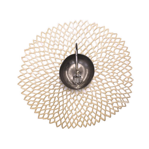 """Chilewich """"Dahlia"""" Round Placemat in Champagne"""