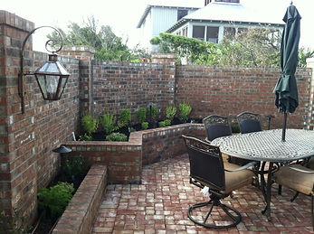 new-orleans-style-courtyard-cascade-outd