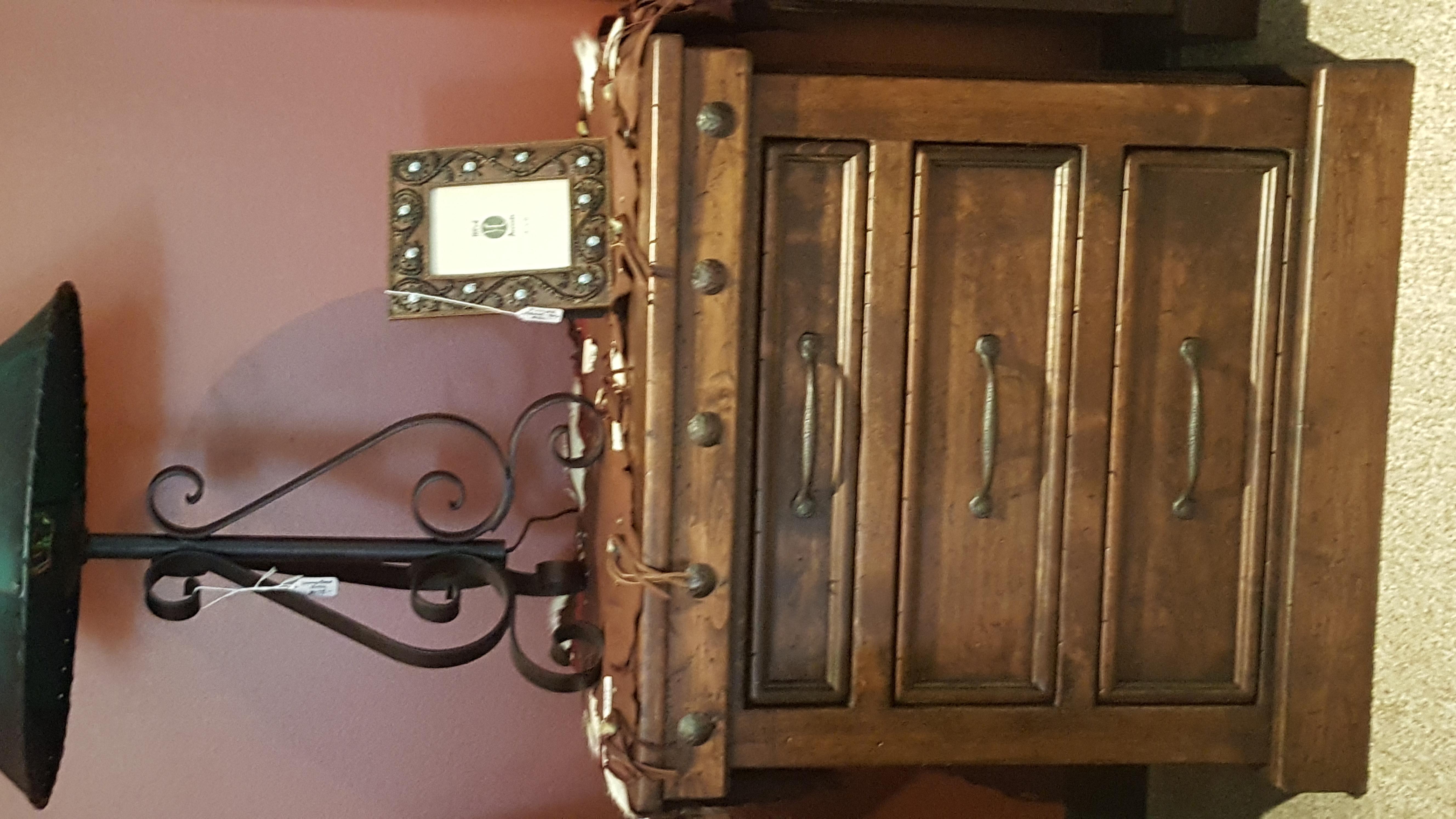 Durango 3-drawer Nightstand