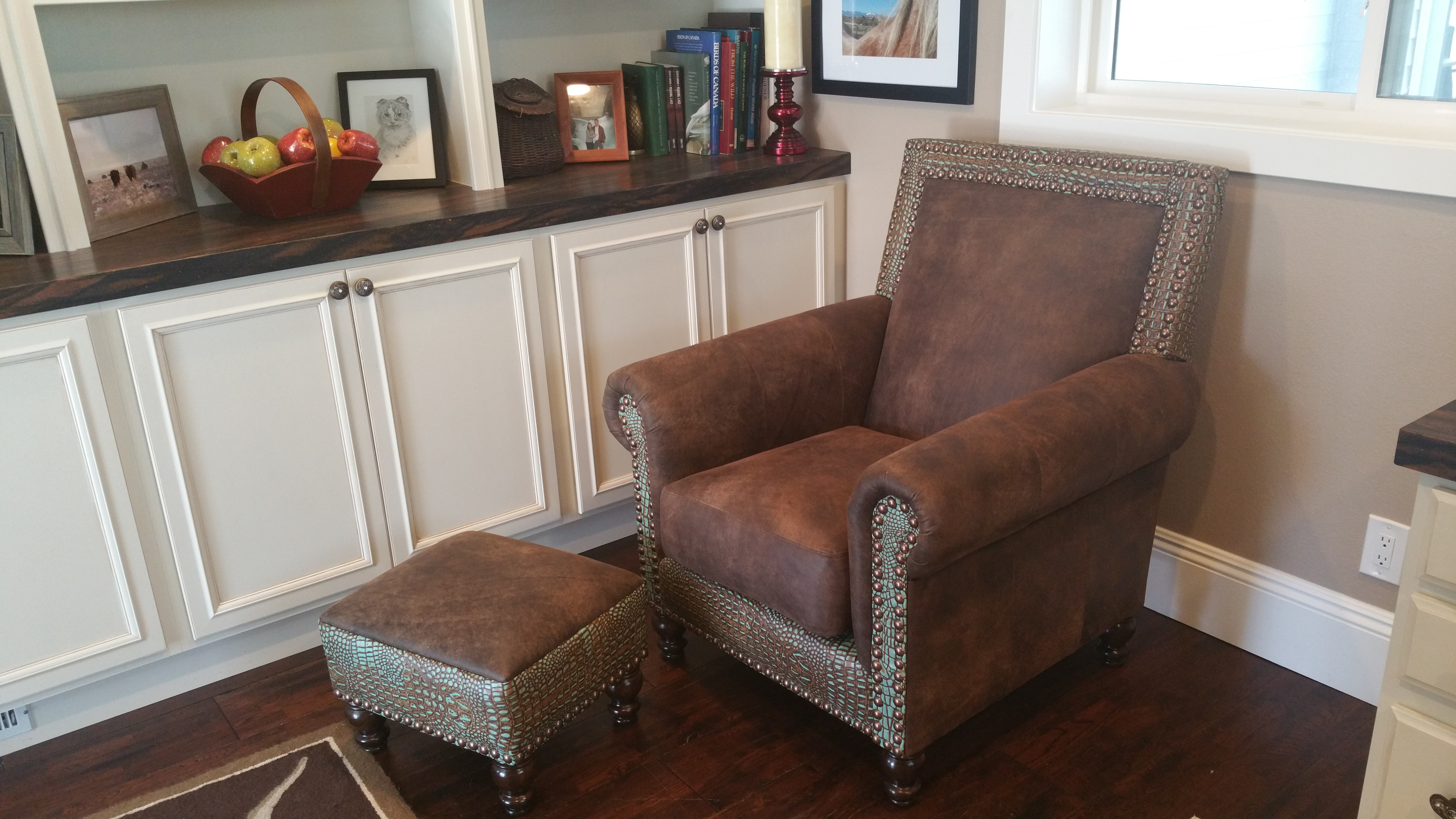 Asheville Chair & Ottoman