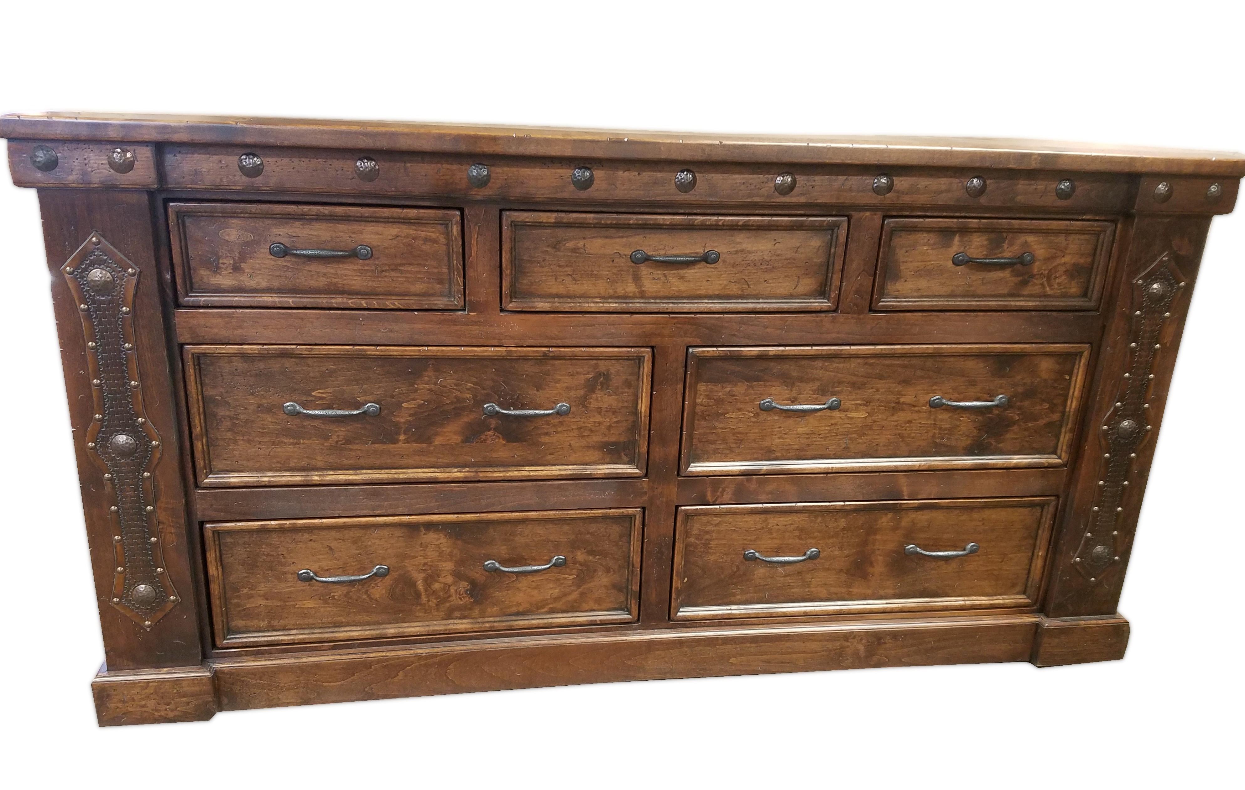 Durango 7-Drawer Dresser