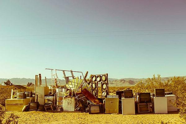 junkyard-abandoned-joshua-tree-desert-ar