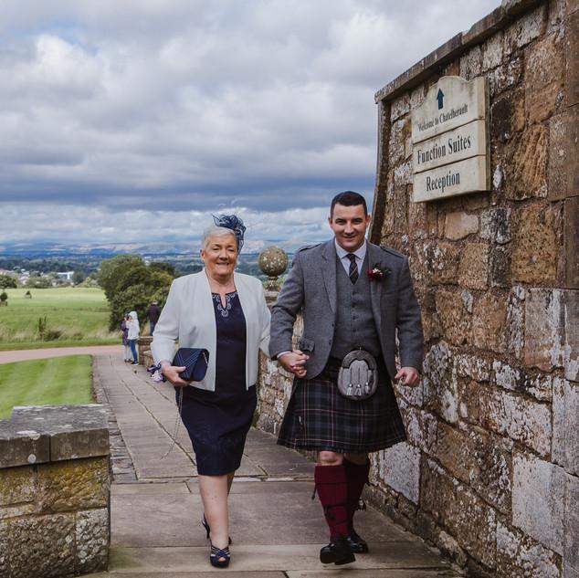 Nicola&Darren-Parkville-hotel