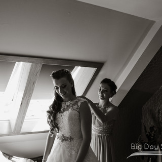 Erin&Graeme-The-Gailes-Hotel