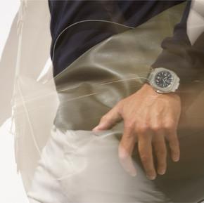 遨遊世界 Bell & Ross 打造全新BR 05 GMT腕錶/ Stay Strong, Bell & Ross Unveiled New BR 05 GMT