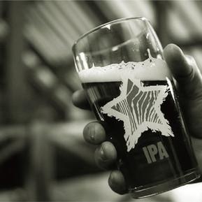 妖精的魔法 為什麼看運動比賽要喝啤酒?Hobgoblin's Magic! Why is drinking beer so good when watching football?