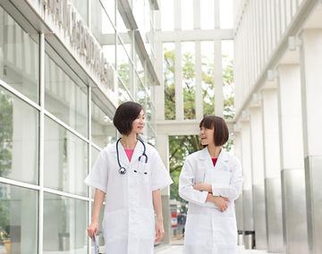 doctors talking in a hospital