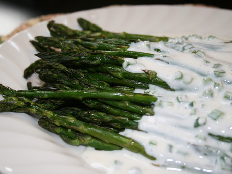 Roasted Asparagus with with Creamy Yogurt Ranch Dressing