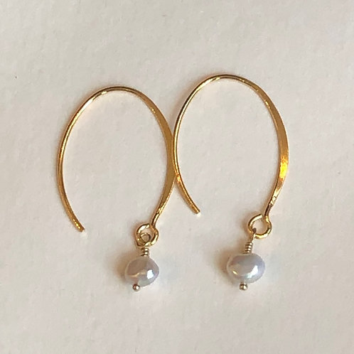 Simple Gold and Pearl Earrings
