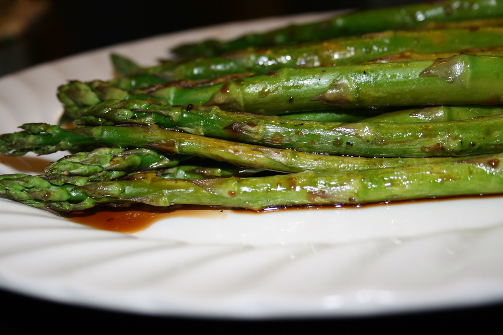 Broiled Asparagus with Balsamic Vinegar