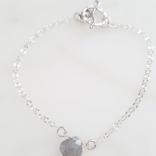 Delicate Labradorite Briolette Bracelet