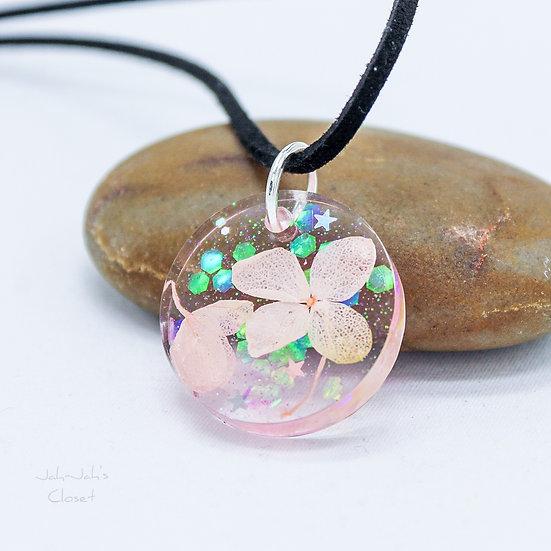 Resin Pendant - Pink Glitter Flower (Mystical Pink)