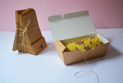caja packaging divertido