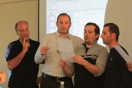 Demostración con miembros del ensemble Basiani