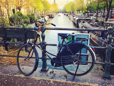 Amsterdam: Banksy, rozkvitnutý Keukenhof a ďalšie jarné vychytávky