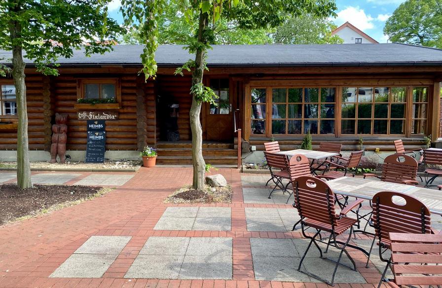 Cafe Finlandia, Terrasse Mai 2020.PNG