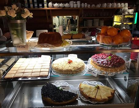 Café Finlandia, täglich frische Torten für unsere Gäste