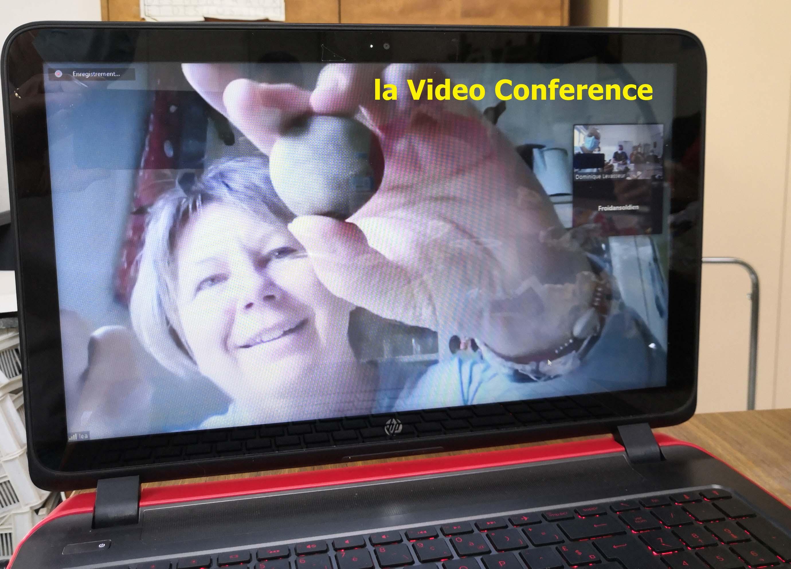 la video conferencer