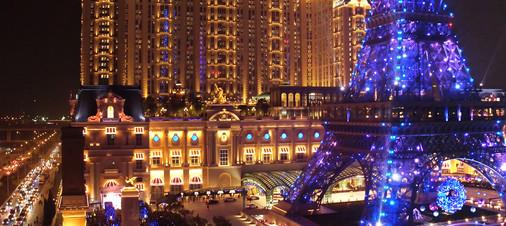 Parisian_Tower_Show_07.jpg