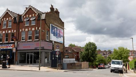 Y17 | Ghost Monument | Colney Hatch Lane, N10