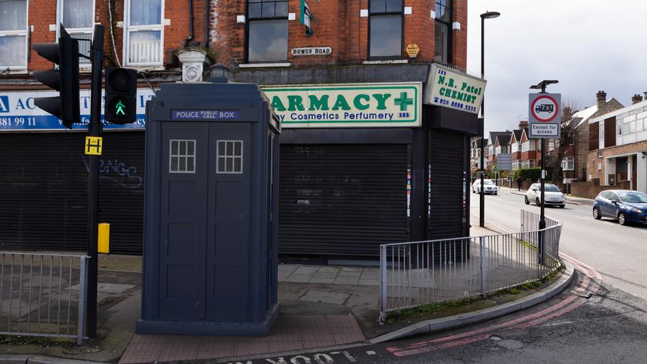 Y10 | Ghost Monument | Bowes Road, N13