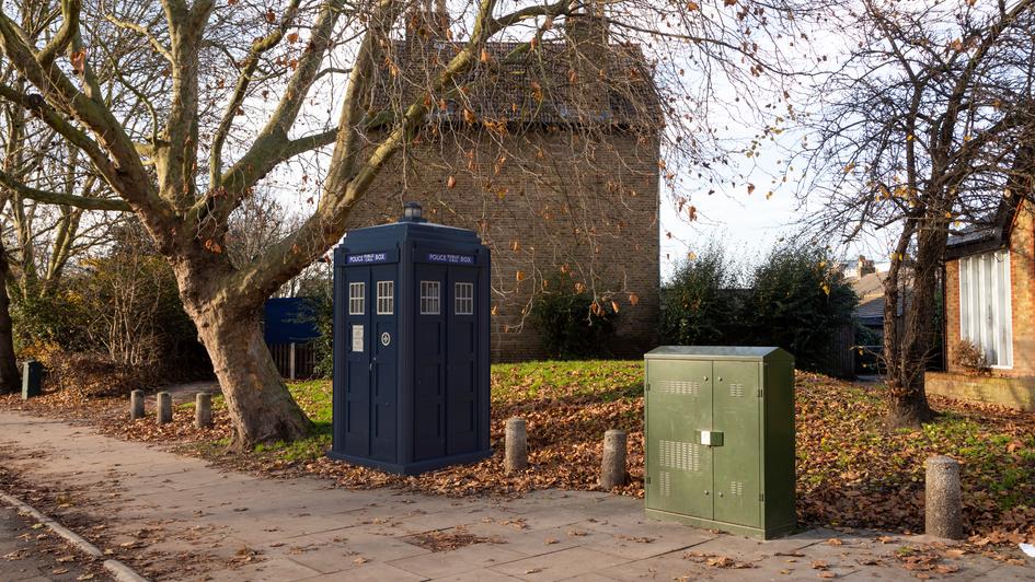 V7 | Ghost Monument | Twickenham Road, TW9