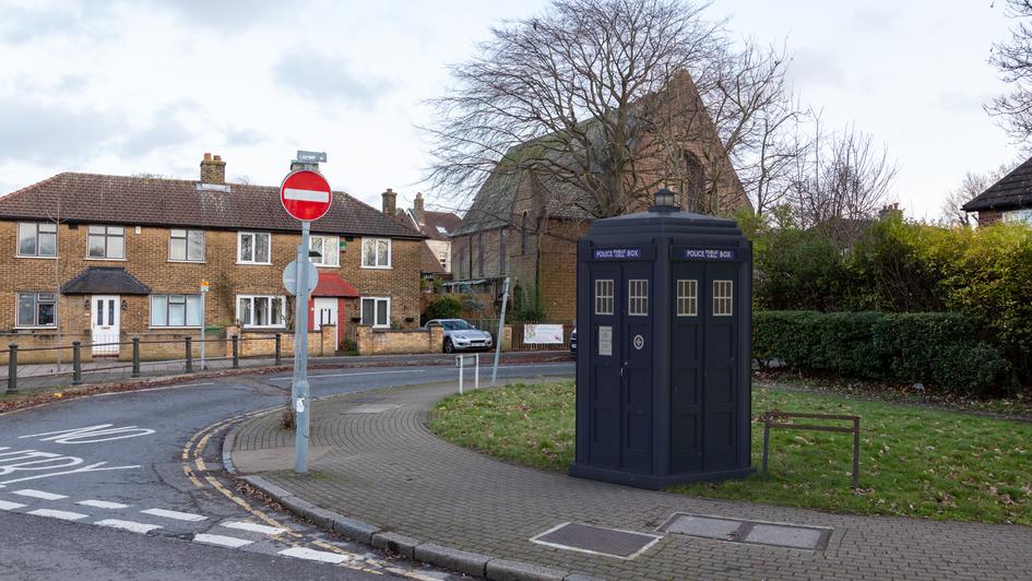 P27 | Ghost Monument | Croydon Road, BR3