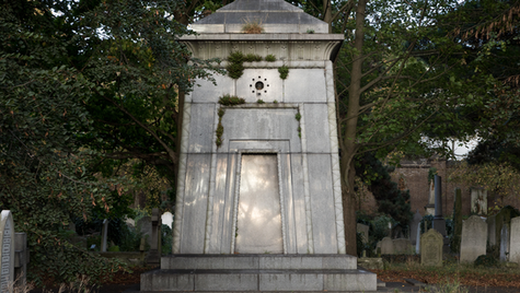 Hannah Courtoy's mausoleum time machine
