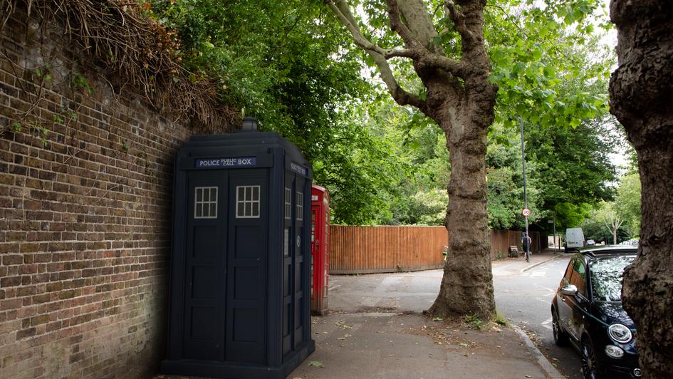 Y25 | Ghost Monument | Hampstead Lane, N6
