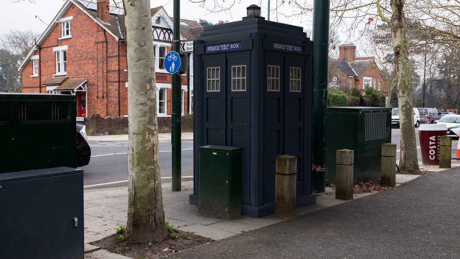 T28 | Ghost Monument | Kingston Road, TW11