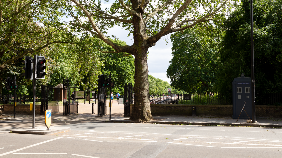 F13 | Ghost Monument | Bayswater Road, W2