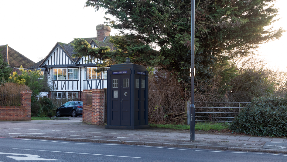 P1 | Ghost Monument | Bromley Common, BR2