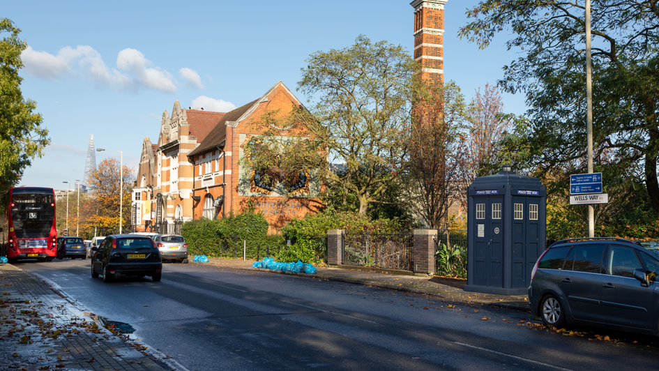 L10 | Ghost Monument | Wells Way, SE5
