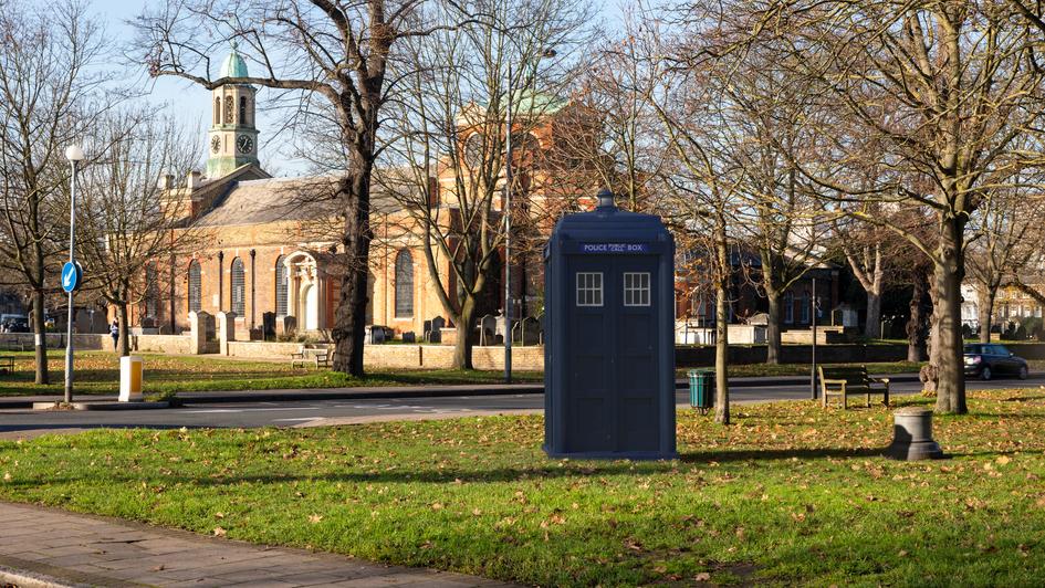 V9 | Ghost Monument | Kew Green, TW9