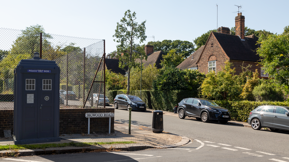 S38 | Ghost Monument | Hampstead Garden Suburb, NW11