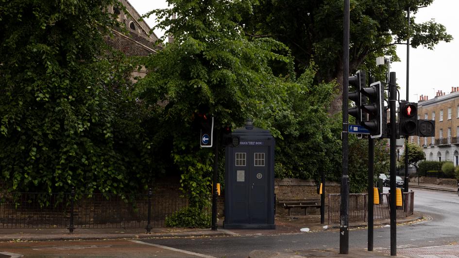 G16 | Ghost Monument | Essex Road, N1