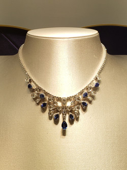 chaumet necklace weared by the queen