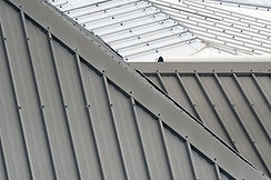 metal-roof-vs-asphalt-shingles-591b20c1d