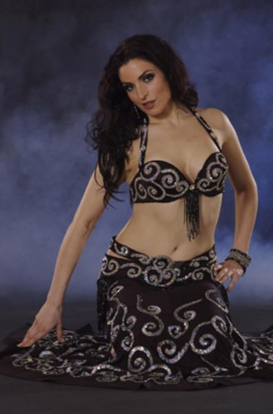 jessica hannan sultan black costume 2