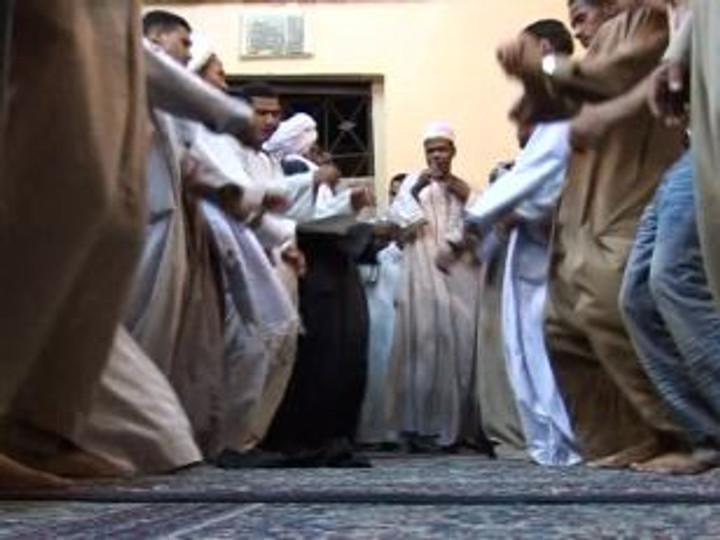 702172969-sufismo-musulman-norteafricano-el-cairo.jpg