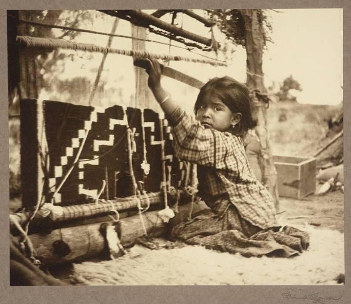 Resultado de imagen de indian  native woman weaving