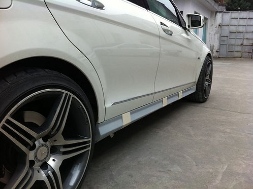 MBW204 C-CLASS AMG STYLE SIDE SKIRTS