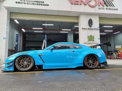 NISSAN GTR R35 LB TYPE-2 STYLE FULL WIDEBODY KIT w/o HOOD. GT WING