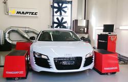 Audi R8 auf dem Maptec Dynapack