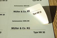 Etiketten Aufkleber drucken Aachen Druckerei nummeriert Typenschilder