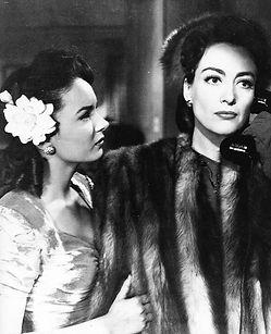 Joan Crawford_Mildred Pierce.jpg