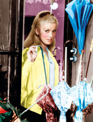 Catherine%20Deneuve_The%20Umbrellas%20of