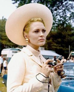 Faye Dunaway_Thomas Crown Affair.jpg