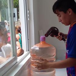 Sealing jugs